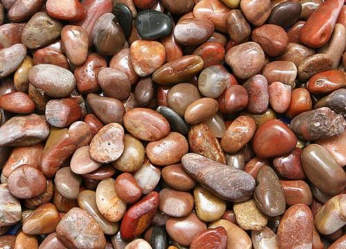 Okrasné kameny-oblázky a drtě